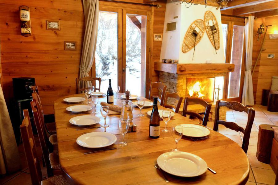 Ski verhuur Chalet Lea - La Tania - Tafel