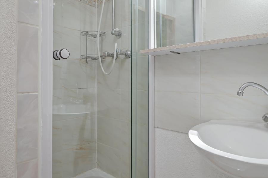 Location au ski Appartement duplex 3 pièces 10 personnes (210) - Résidence Kalinka - La Tania - Douche