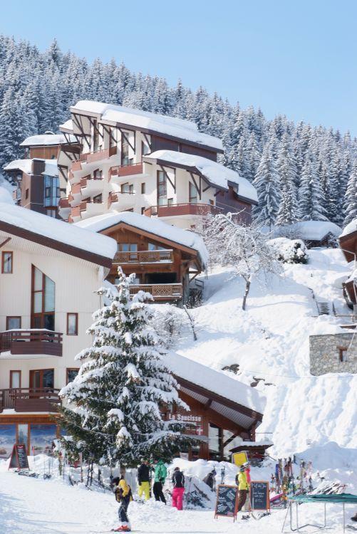 Аренда на лыжном курорте Résidence l'Atrey - La Tania - зимой под открытым небом