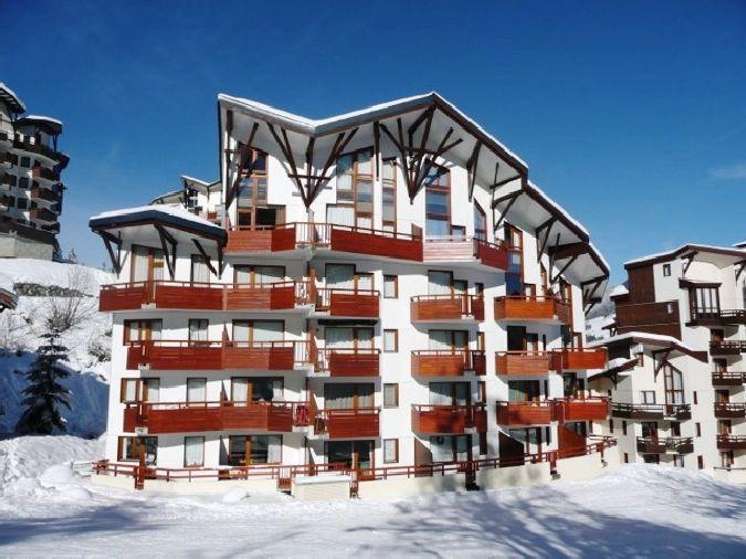 Аренда на лыжном курорте Résidence les Charmes - La Tania - зимой под открытым небом