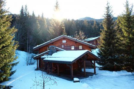 Rent in ski resort Chalet Elliot Est - La Tania - Winter outside