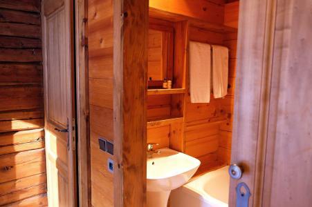 Rent in ski resort Chalet Elliot Est - La Tania - Bathroom