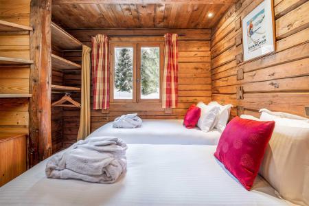 Rent in ski resort Chalet Elliot Est - La Tania - Bedroom