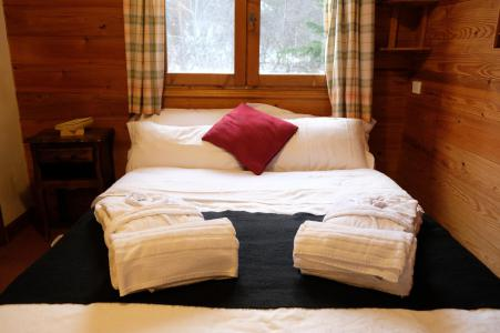 Rent in ski resort Chalet Lea - La Tania - Bedroom