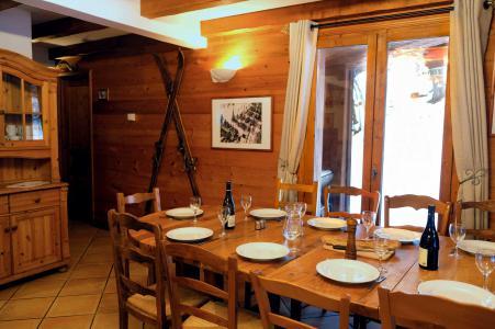Rent in ski resort Chalet Lea - La Tania - Dining area