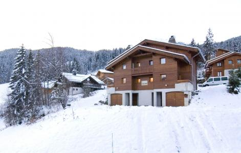 Location au ski Les Chalets de la Tania - La Tania - Extérieur hiver