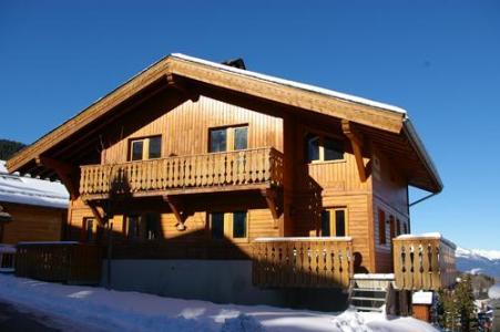 Vacances en montagne Les Chalets De La Tania - La Tania - Extérieur hiver