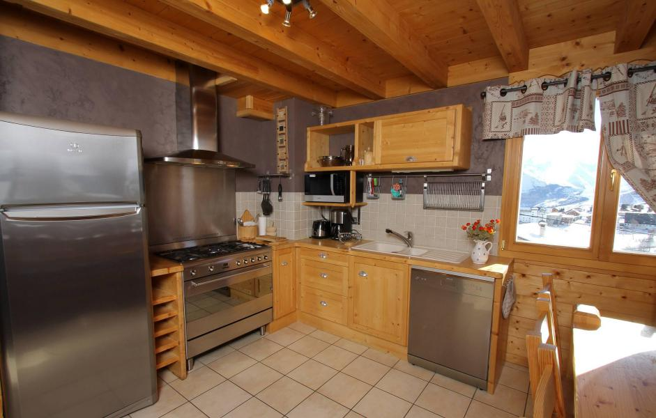 Rent in ski resort Chalet Jardin d'Hiver - La Toussuire - Kitchen
