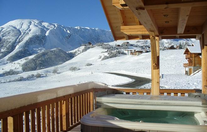 Rent in ski resort Chalet le Reflet des Aiguilles - La Toussuire - Jacuzzi