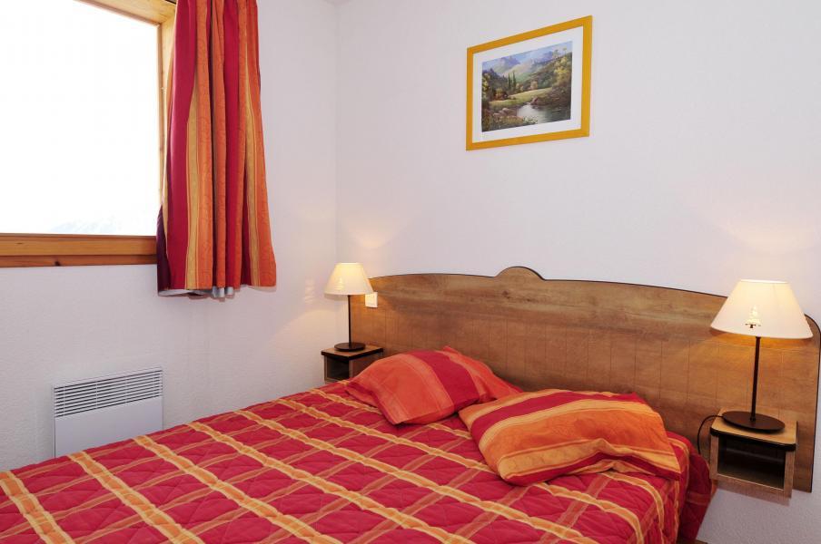 Аренда на лыжном курорте Les Chalets Goélia - La Toussuire - Комната