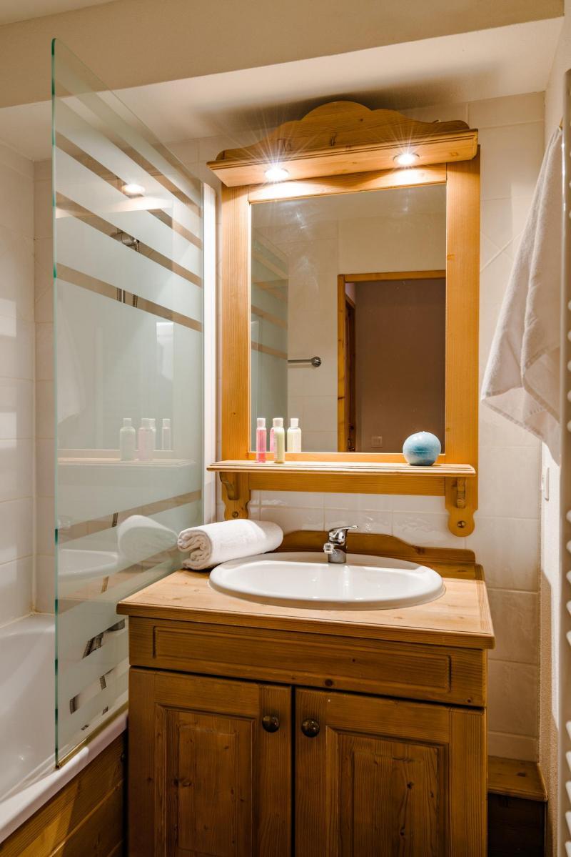 Alquiler al esquí Résidence Lagrange l'Ecrin des Sybelles - La Toussuire - Cuarto de baño con ducha