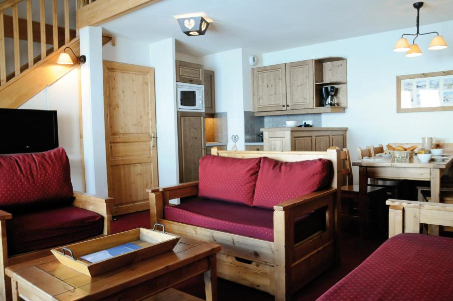 Location au ski Résidence Lagrange les Hauts de Comborcière - La Toussuire - Canapé
