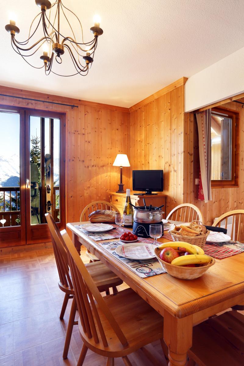 Alquiler al esquí Résidence les Chalets des Cimes - La Toussuire - Mesa
