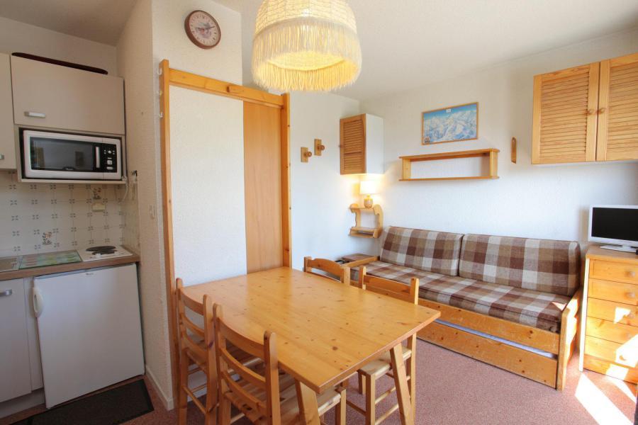 Location au ski Studio 3 personnes (366) - Résidence les Ravières - La Toussuire - Séjour