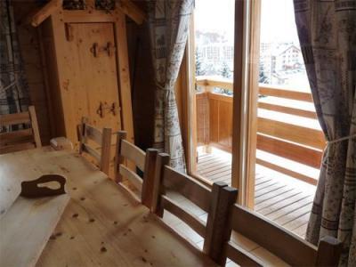 Location au ski Chalet 5 pièces mezzanine 12 personnes - Chalet Jardin D'hiver - La Toussuire - Porte-fenêtre donnant sur balcon