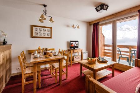 Location au ski Residence Lagrange Les Hauts De Comborciere - La Toussuire - Coin repas