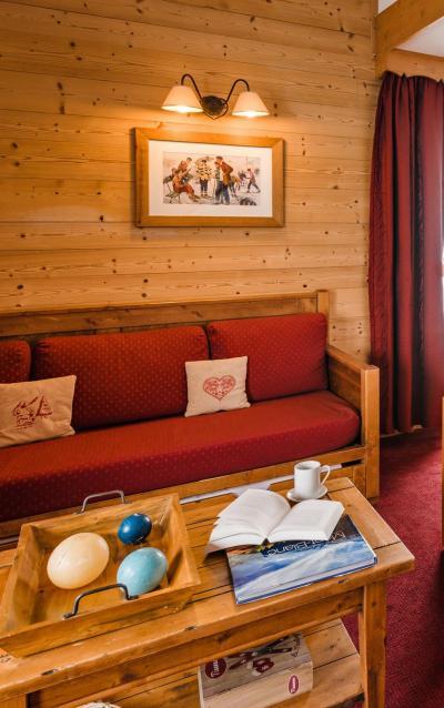 Alquiler al esquí Résidence Lagrange les Hauts de Comborcière - La Toussuire - Mesa
