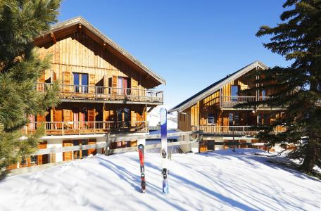 Accommodation with swmimming pool Résidence les Chalets des Cimes