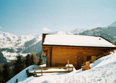 Location au ski Chalet Quatre Vallees - La Tzoumaz - Extérieur hiver
