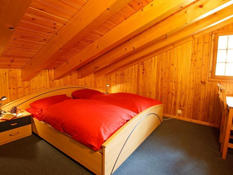 Location au ski Chalet Alpina P12 - La Tzoumaz - Chambre mansardée