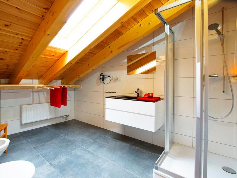 Location au ski Chalet Alpina P12 - La Tzoumaz - Salle de bains