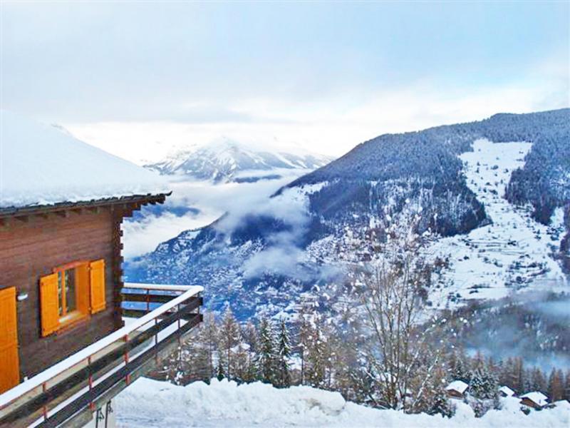 Location au ski Chalet Claire du Soleil - La Tzoumaz - Extérieur hiver
