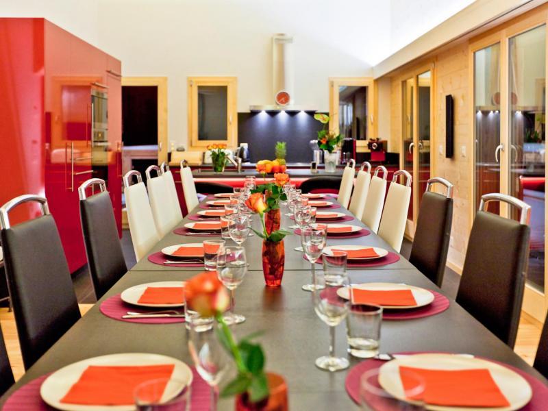 Location au ski Chalet Flocon de Neige - La Tzoumaz - Salle à manger