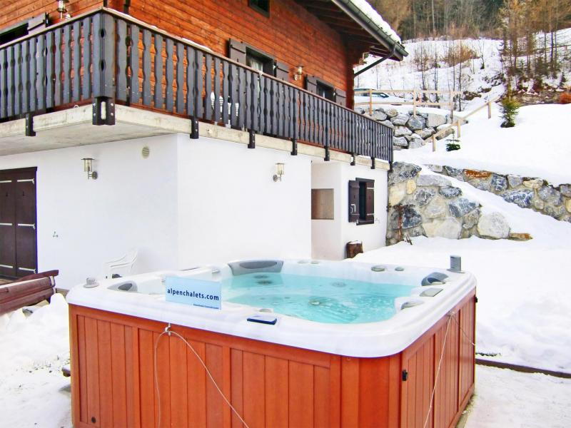 Rent in ski resort Chalet les Etoiles - La Tzoumaz - Winter outside