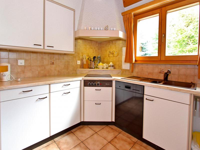Rent in ski resort Chalet Mouettes - La Tzoumaz - Kitchen