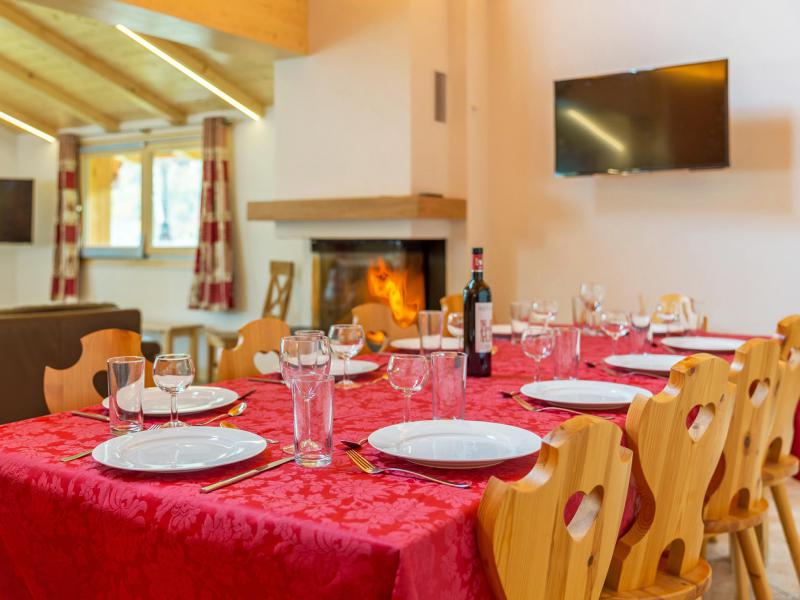 Rent in ski resort Chalet Pierina - La Tzoumaz - Dining area