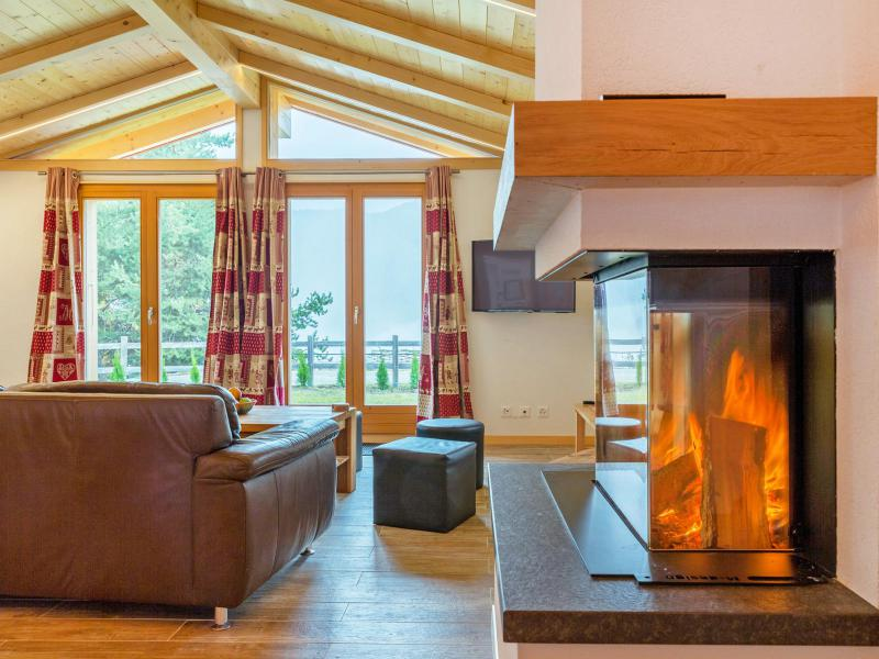 Rent in ski resort Chalet Pierina - La Tzoumaz - Fireplace
