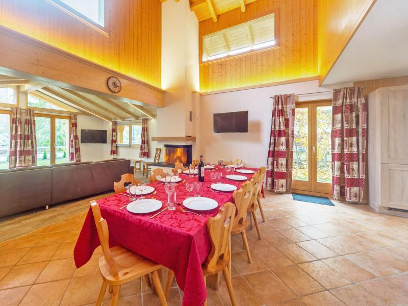 Rent in ski resort Chalet Pierina - La Tzoumaz - Table