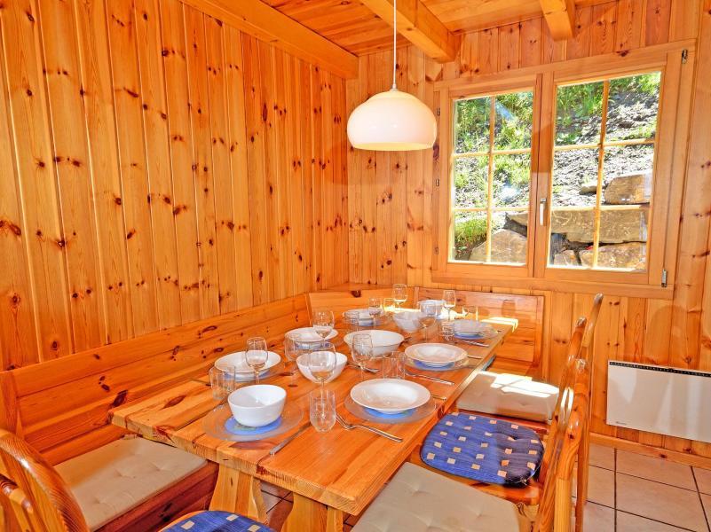 Location au ski Chalet Quatre Vallées - La Tzoumaz - Salle à manger