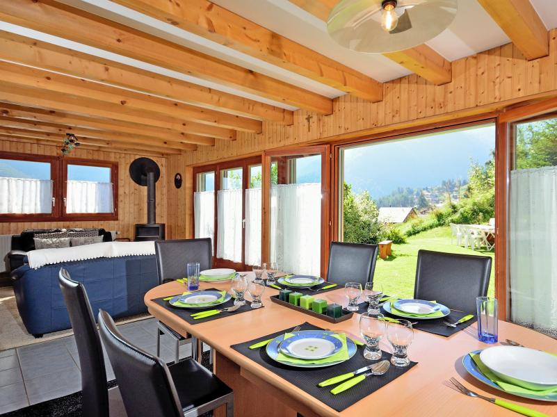 Location au ski Chalet Théo - La Tzoumaz - Table