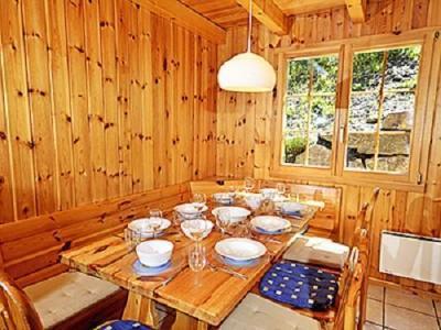 Location au ski Chalet Quatre Vallees - La Tzoumaz - Coin repas