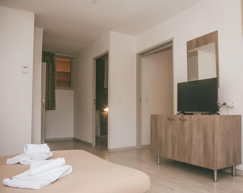 Rent in ski resort Appart'Hôtel le Splendid - Le Collet d'Allevard - Bed-settee