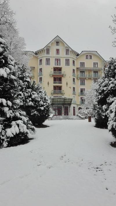 Rent in ski resort Appart'Hôtel le Splendid - Le Collet d'Allevard - Winter outside