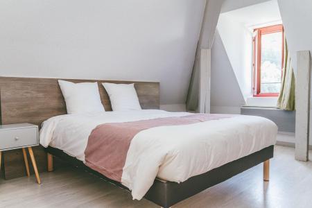 Rent in ski resort Appart'Hôtel le Splendid - Le Collet d'Allevard - Double bed
