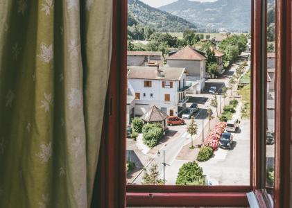 Rent in ski resort Appart'Hôtel le Splendid - Le Collet d'Allevard - Window