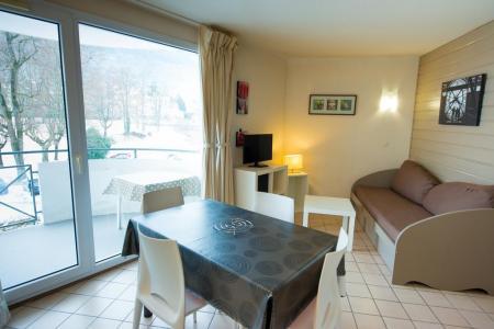Location au ski Résidence les Silènes - Le Collet d'Allevard - Porte-fenêtre donnant sur balcon