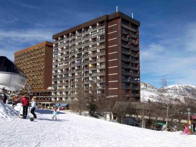 Rent in ski resort Baikonour - Le Corbier - Winter outside
