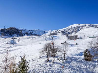 Rent in ski resort 1 room apartment 4 people (2) - Cosmos - Le Corbier