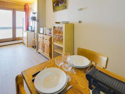 Rent in ski resort 1 room apartment 4 people (7) - Cosmos - Le Corbier