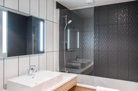 Rent in ski resort Résidence Club MMV l'Etoile des Sybelles - Le Corbier - Bathroom
