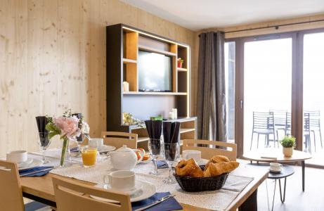 Rent in ski resort Résidence Club MMV l'Etoile des Sybelles - Le Corbier - Dining area