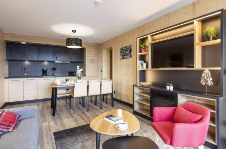 Rent in ski resort Résidence Club MMV l'Etoile des Sybelles - Le Corbier - Table