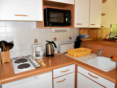 Rent in ski resort 2 room apartment 5 people (0804) - Résidence Cosmos - Le Corbier - Kitchenette