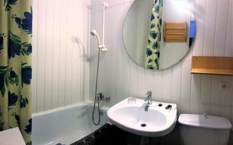 Rent in ski resort Studio 4 people (0808) - Résidence Cosmos - Le Corbier - Sofa-bed