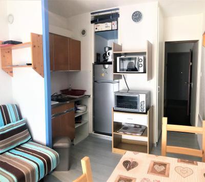Rent in ski resort Studio 4 people (0808) - Résidence Cosmos - Le Corbier - Wash-hand basin