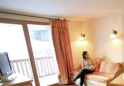 Location au ski Studio 4 personnes - Residence Les Alpages Du Corbier - Le Corbier - Balcon
